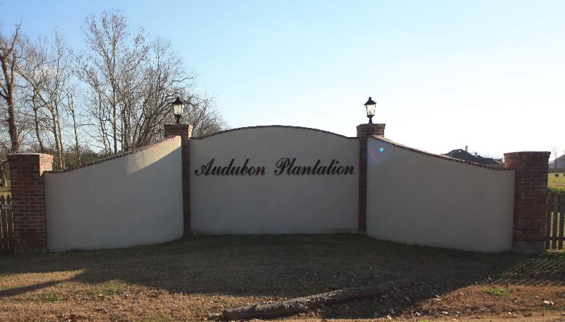 audubon-plantation-entrance